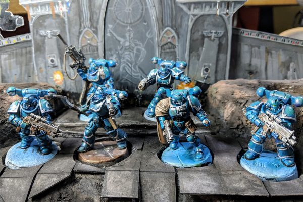 Alpha Legion Kill Team - 6 Alpha Legion kill team members.